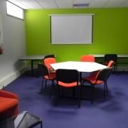 ITmédia2 à Castres - Salle de réunion 2 - Cowork'in Tarn le réseau du télétravail et coworking Tarnais